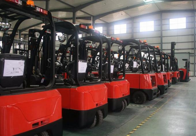 Trator bonde estando do reboque do equipamento 2500kg do transporte de materiais do armazém de Drivable mini